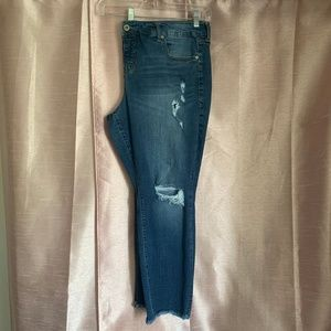 Distressed ankle jeans 22 by Torrid raw hem EUC